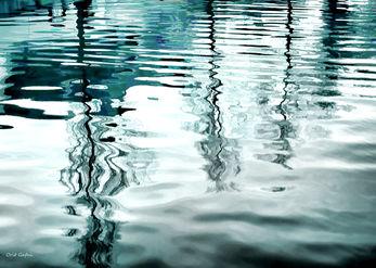 תנודות במים