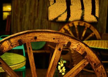 גלגלי עץ