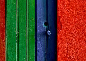 כניסה צבעונית