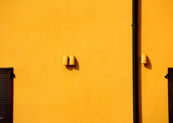 Minimalism in yellow