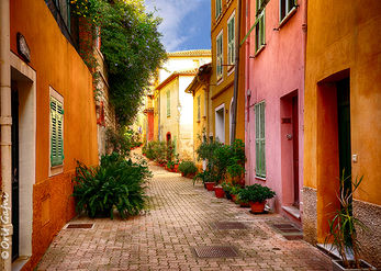 An alley in Provence